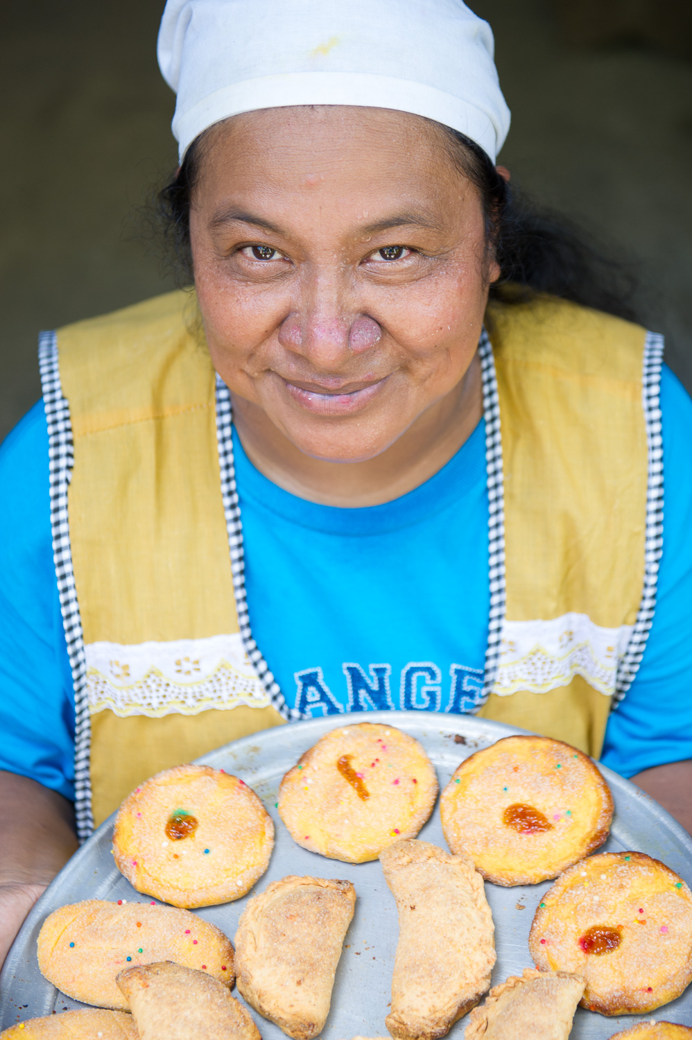 Picture of a baker in El Salvador by Dawn Deeks nonprofit photography