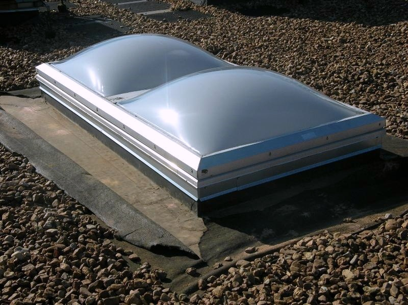 Here you can see filter fabric being used to protect the EPDM membrane from the ballast stone on a ballasted EPDM roof.