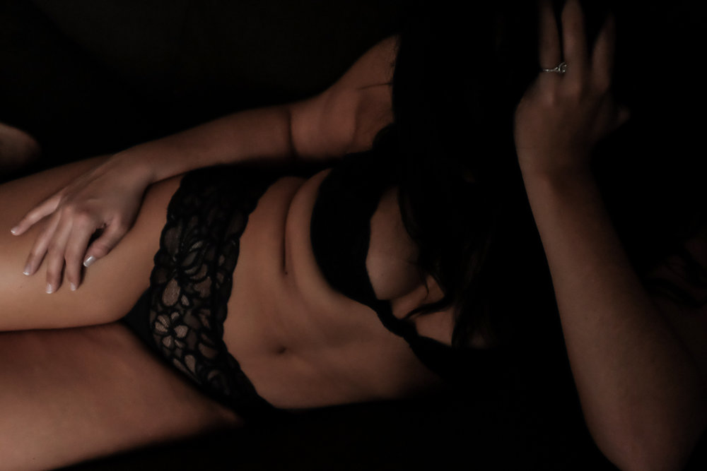 boudoir, lifestyle photographer, burlington photographer