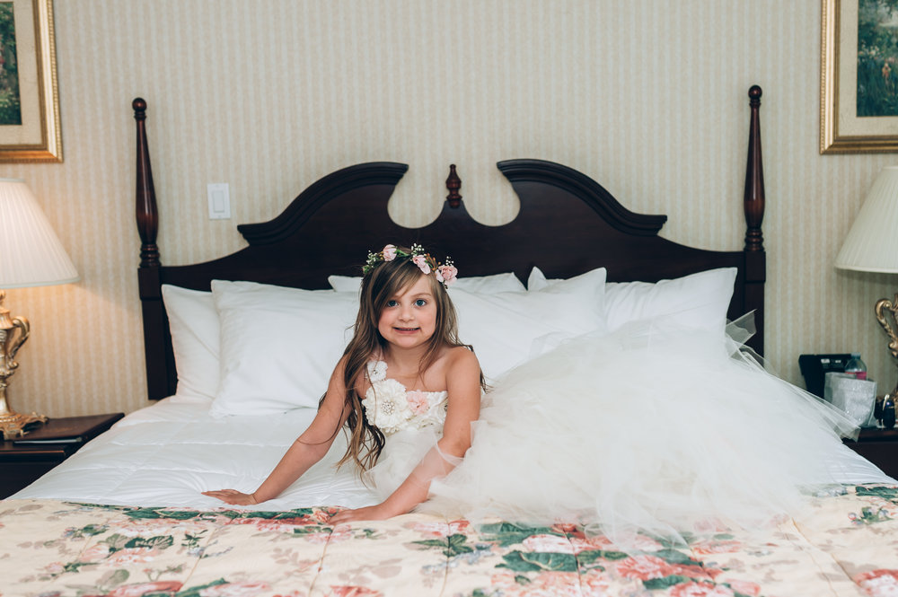 wedding, burlington wedding photographer,love, lifestyle photography,toronto wedding photographer,flower girl