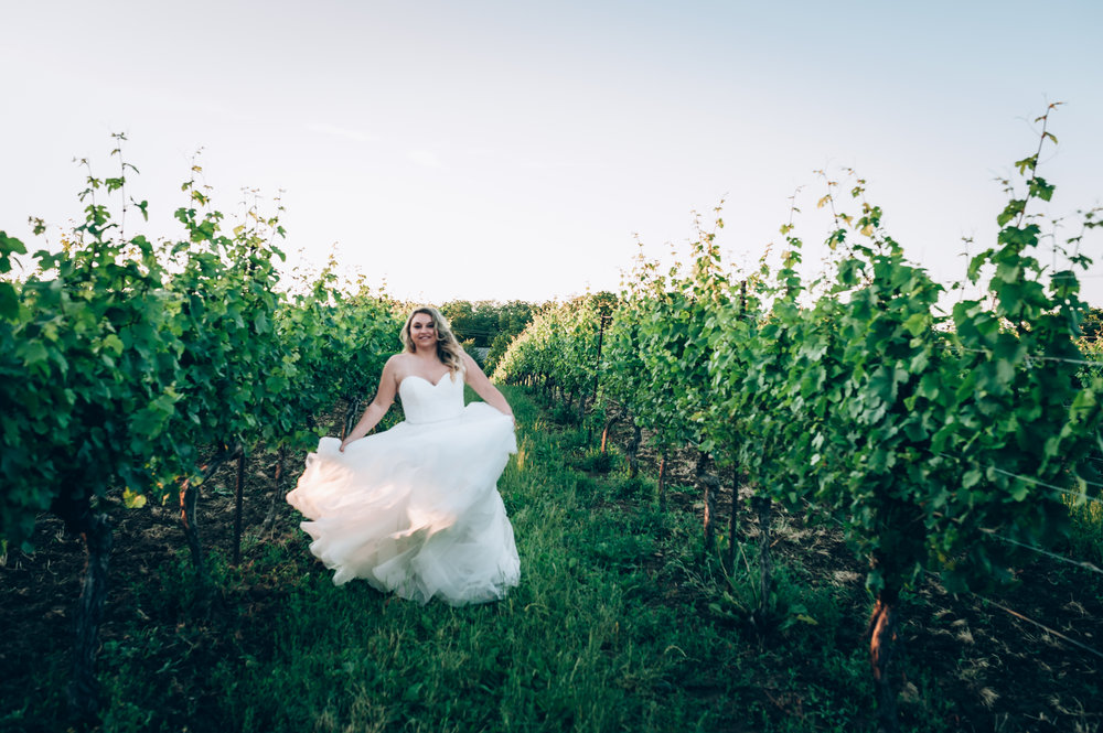 wedding, burlington wedding photographer,love, lifestyle photography,toronto wedding photographer,groom, vineland estetes winery