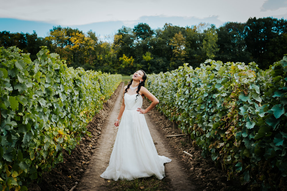 wedding photographer, vineyard, Niagara-On-The_Lake, love, Burlington wedding photographer,bride