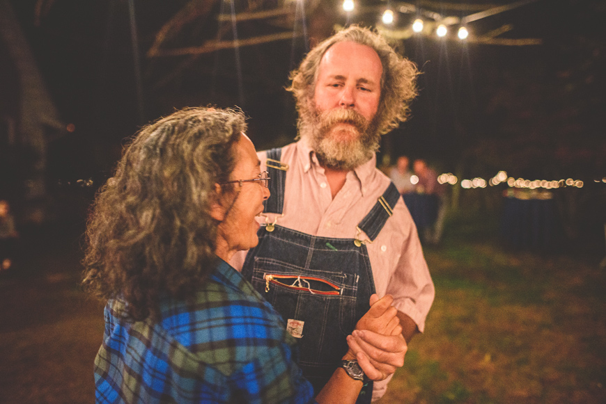 015-country-dancing-at-a-potluck-farm-wedding