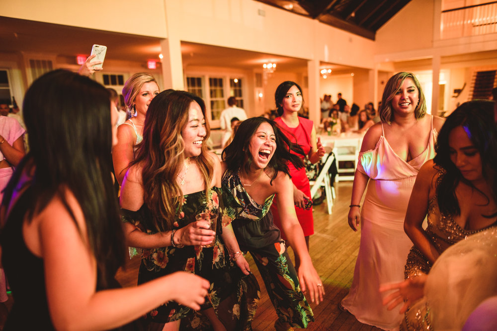 056 wedding guests yelling on the dancefloor.jpg