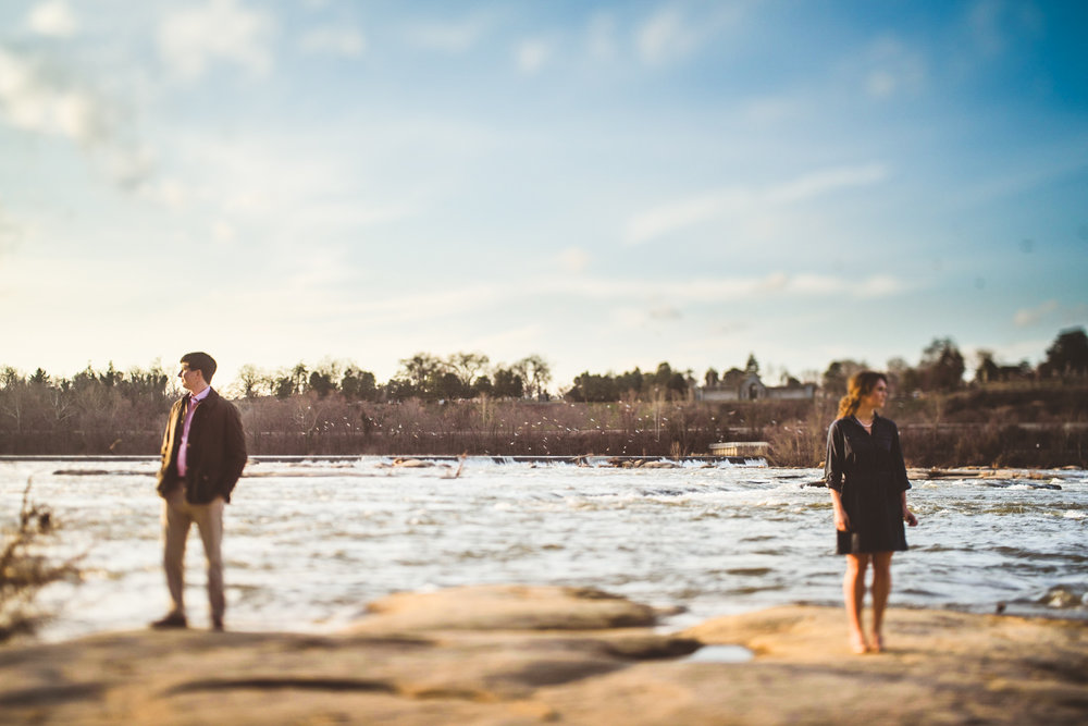 007 - creative engagement photos at the james river in richmond virginia.jpg