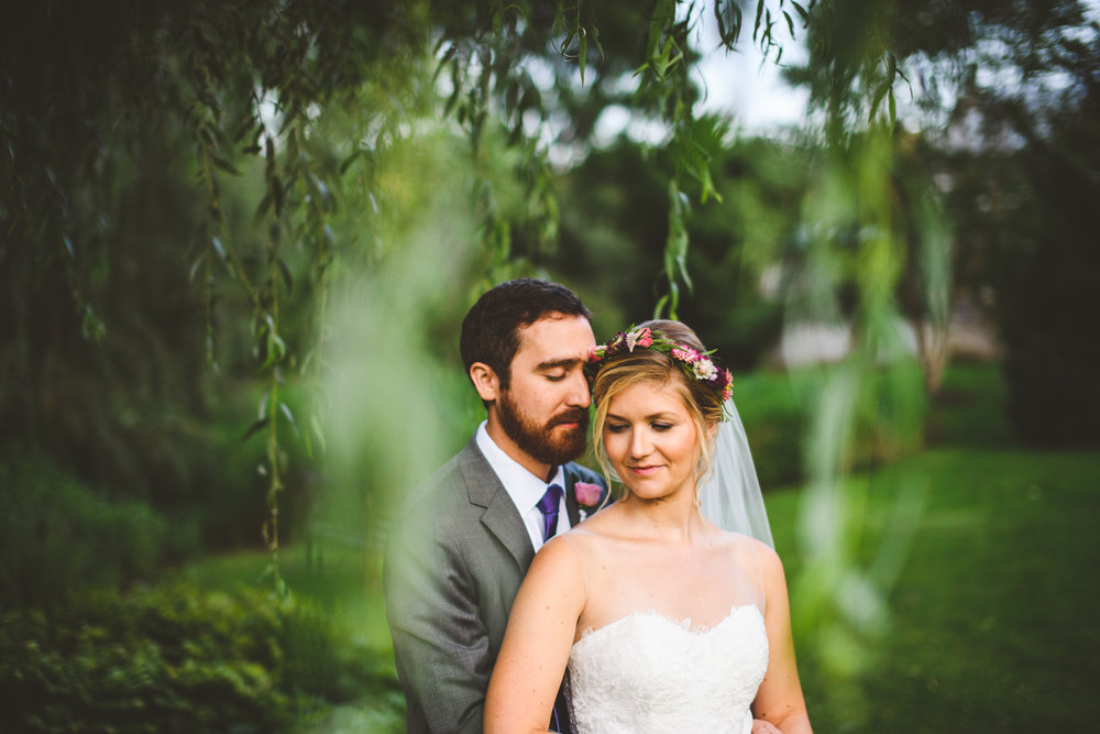 019 - willow trees make this beautiful portrait of the bride and groom come alive.jpg