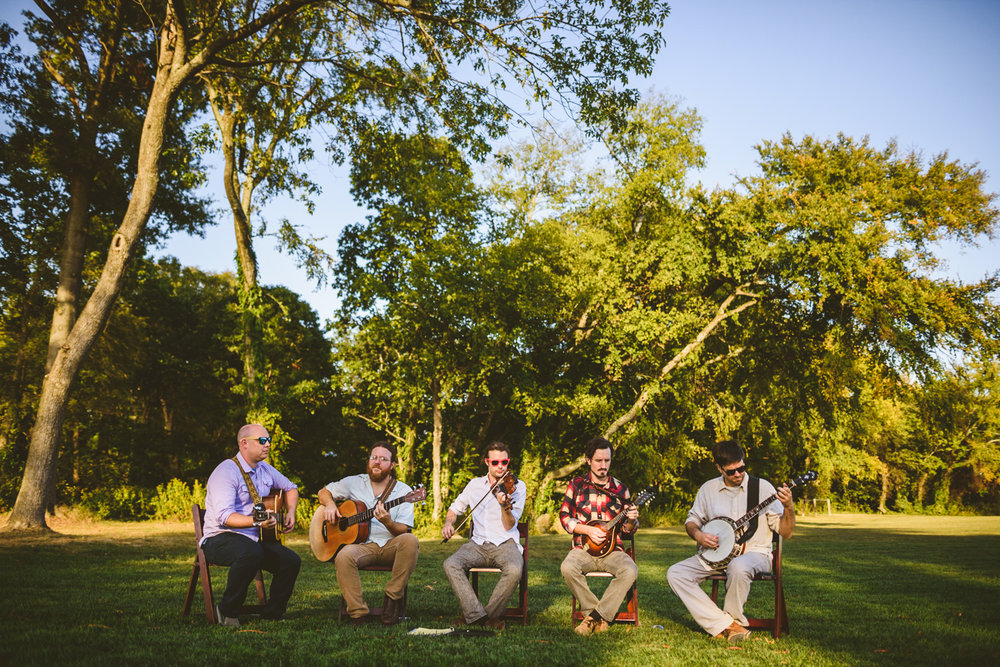 008 - bluegrass wedding band plays at a wedding in richmond virginia.jpg