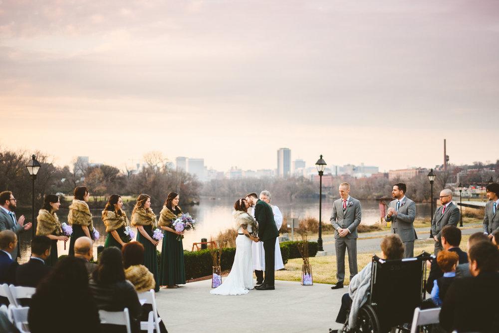 014 - first kiss at a wedding at the boathouse at rocketts landing.jpg