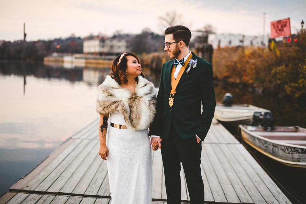 020 - wedding portrait at rocketts landing.jpg