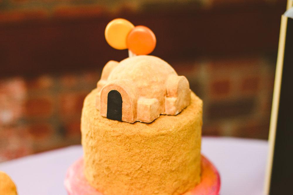 028 - Tatooine binary sunset wedding cake.jpg