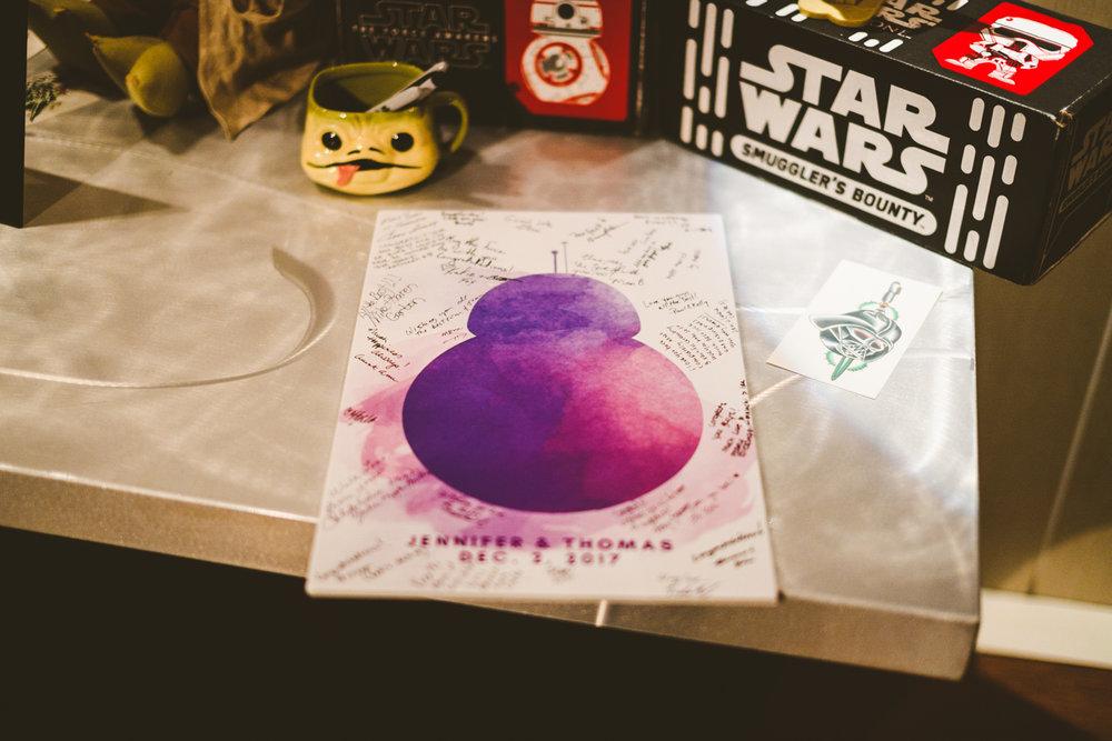 031 - BB-8 wedding guestbook.jpg