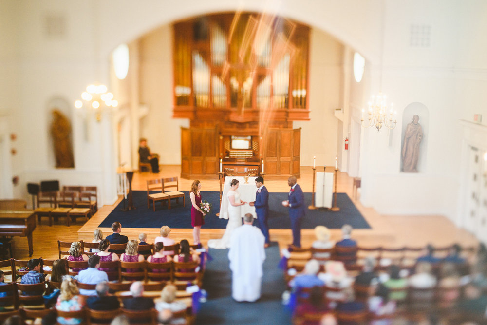 008 - freelensing shot of wedding ceremony.jpg