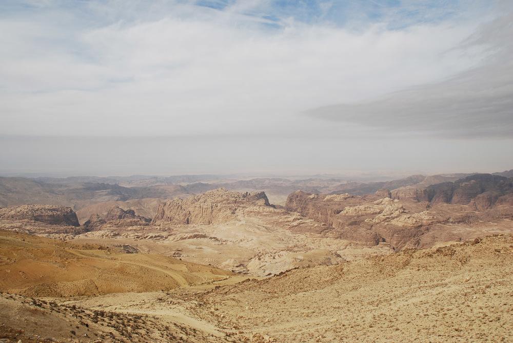Wadi Araba sett frå jordansk side, i nærleiken av Petra.