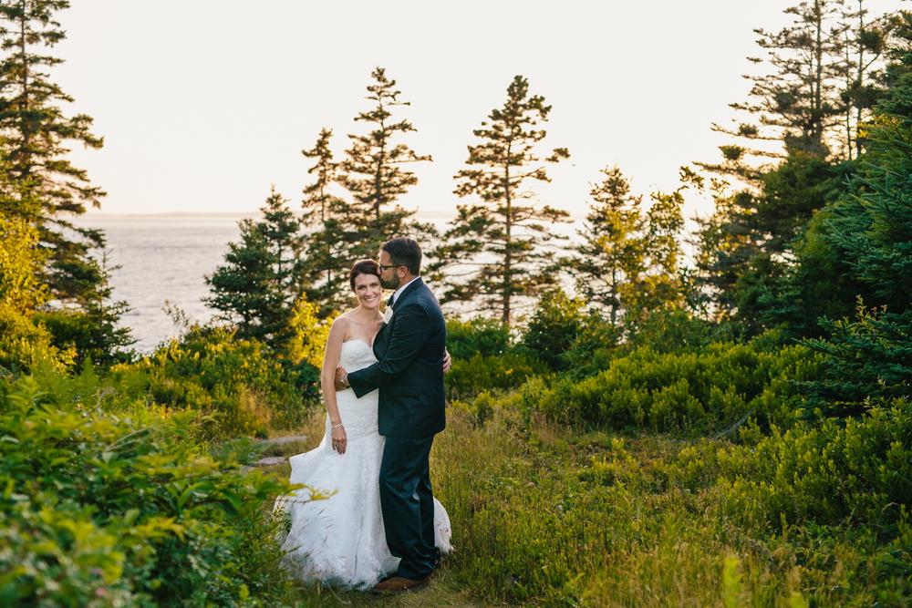 Booth-Bay-Harbor-Maine-Wedding-Beach-Tent-Cliffs-Ocean-New-England-Wedding-Photography-Emily-Tebbetts-10.jpg