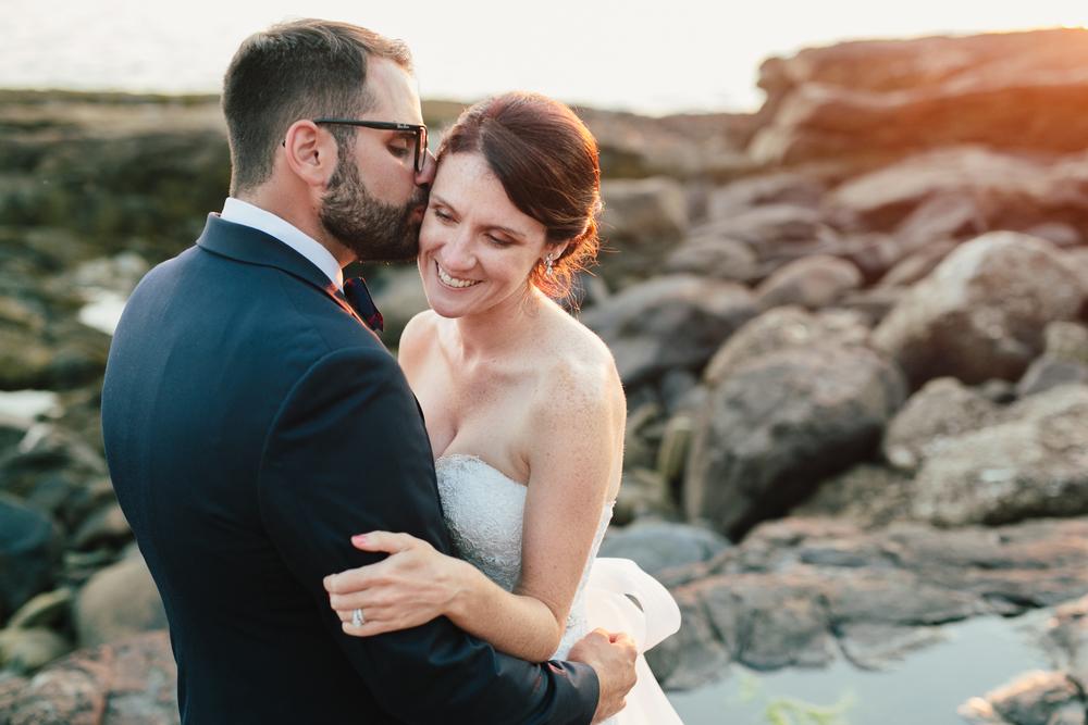 Booth-Bay-Harbor-Maine-Wedding-Beach-Tent-Cliffs-Ocean-New-England-Wedding-Photography-Emily-Tebbetts-26.jpg