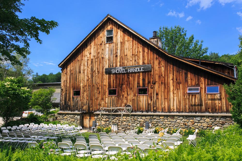 The-Shovel-Handle-Inn-Barn-Wedding-New-Hampshire-New-England-Wedding-Photography-5.jpg