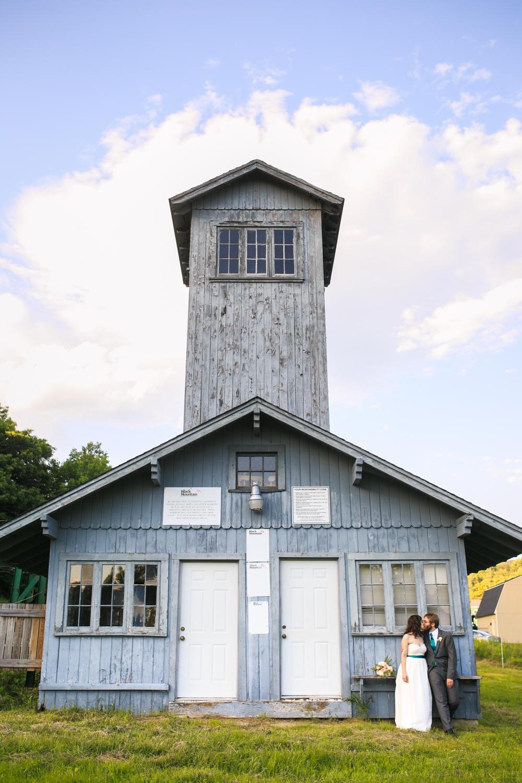 The-Shovel-Handle-Inn-Barn-Wedding-New-Hampshire-New-England-Wedding-Photography-19.jpg