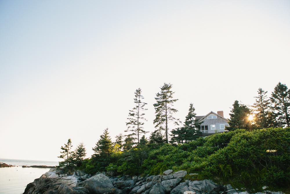 Booth-Bay-Harbor-Maine-Wedding-Beach-Tent-Cliffs-Ocean-New-England-Wedding-Photography-Emily-Tebbetts-1.jpg