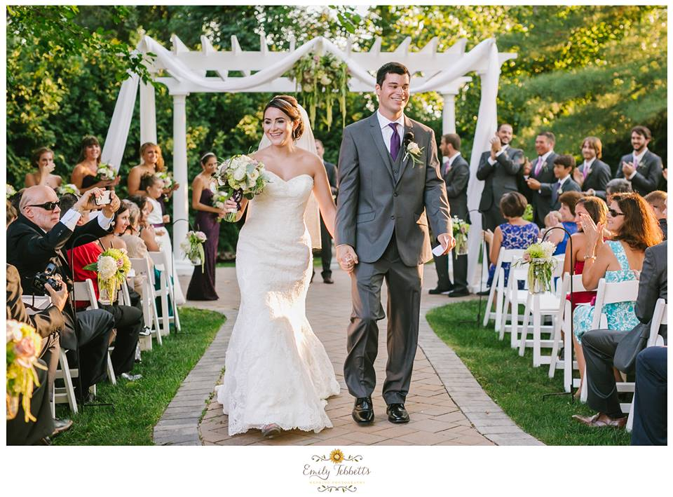 Emily Tebbetts Photography Wedding || Farmington Gardens, Farmington, CT 1.jpg