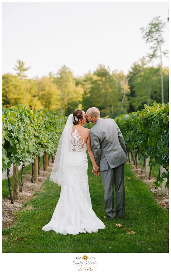 Emily Tebbetts Photography Wedding || Zorvino Vineyard, Sandown, NH Sneak Peeks 4.jpg