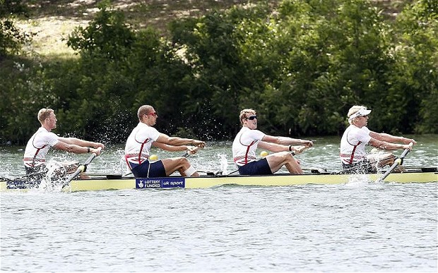 All eyes in the boat? Not quite George! Mid race, European final.