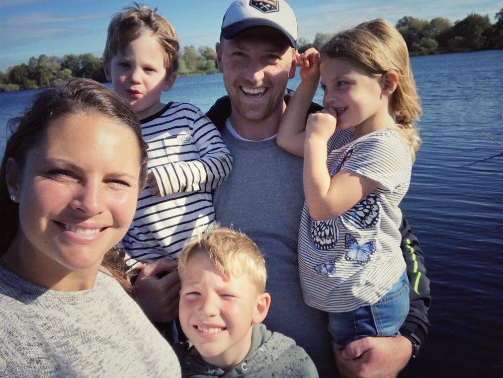 Emily, Jesse, Jasper me & Daisy enjoying the Autumn sun on the bank of Mill Lake.