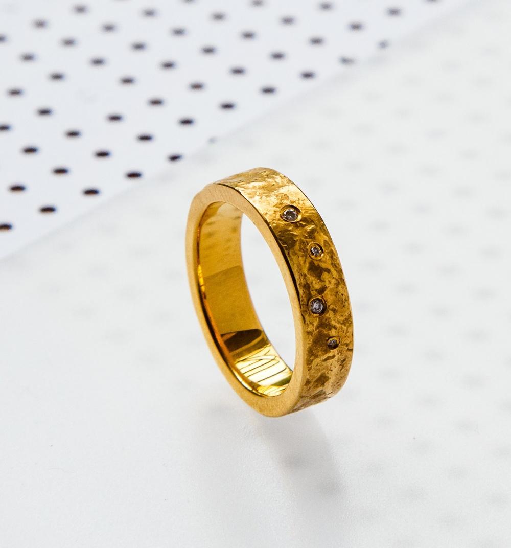 diamond-gold-ring-textured.jpg