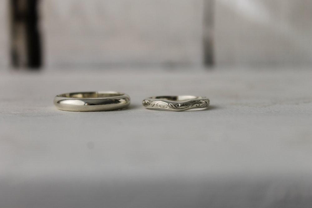 Shaped-white-gold-band-thequarterworkshop.JPG