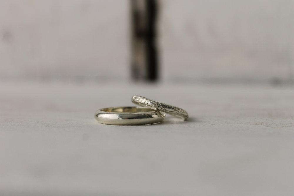 hand-engraved-pattern-wedding-band.JPG