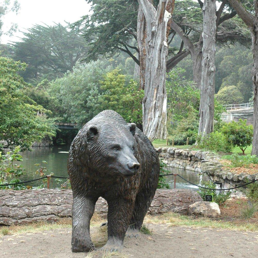 San Francisco Zoo & Gardens : Grizzly Sculpture  San Francisco, CA