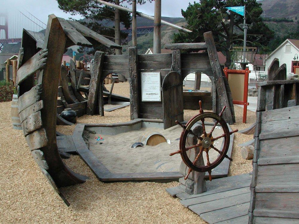 Sunken Pirate Ship Sand Play Golden Gate Bridge DSCN0096.jpg