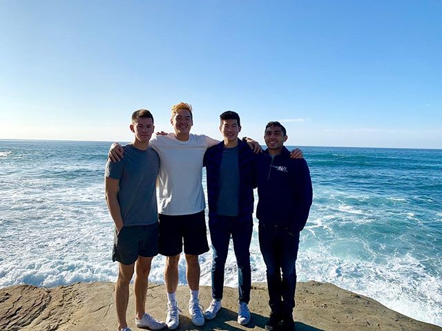 Brothers traveled all over the globe during winter break ❄️ Here's a picture of some of our senior Brothers in San Diego. Come out to Meet the Chapter next Monday (1/14)!