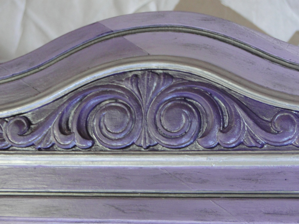 Detail of scroll area