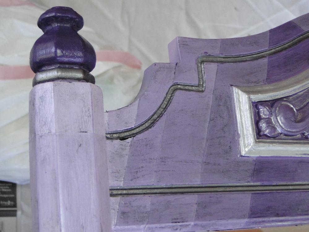 Detail of left post