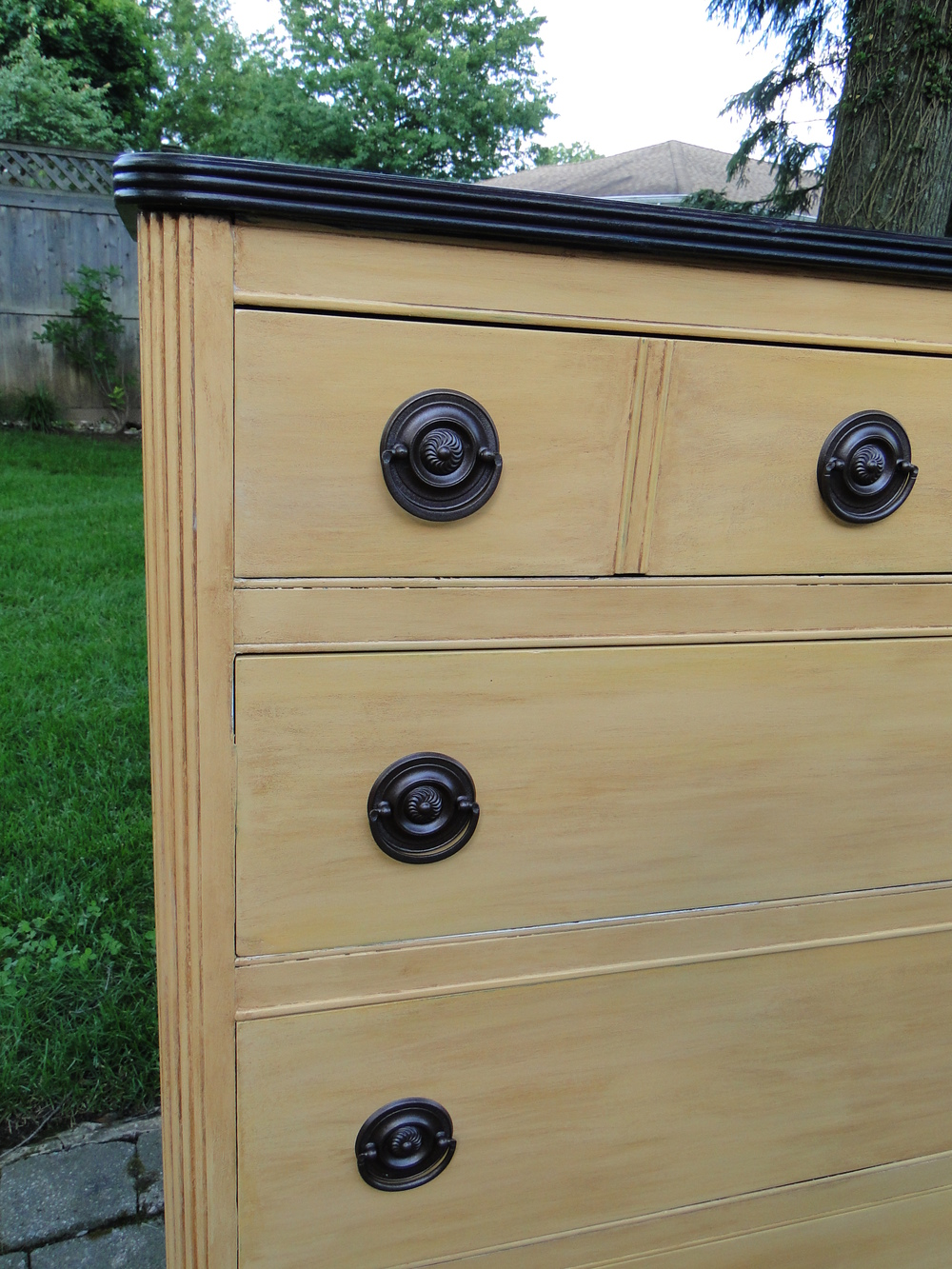 Paint finish includes base coat & glaze