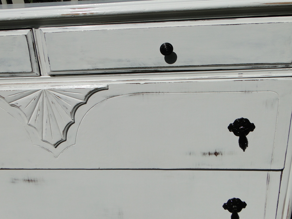 Lovely original handles were repainted