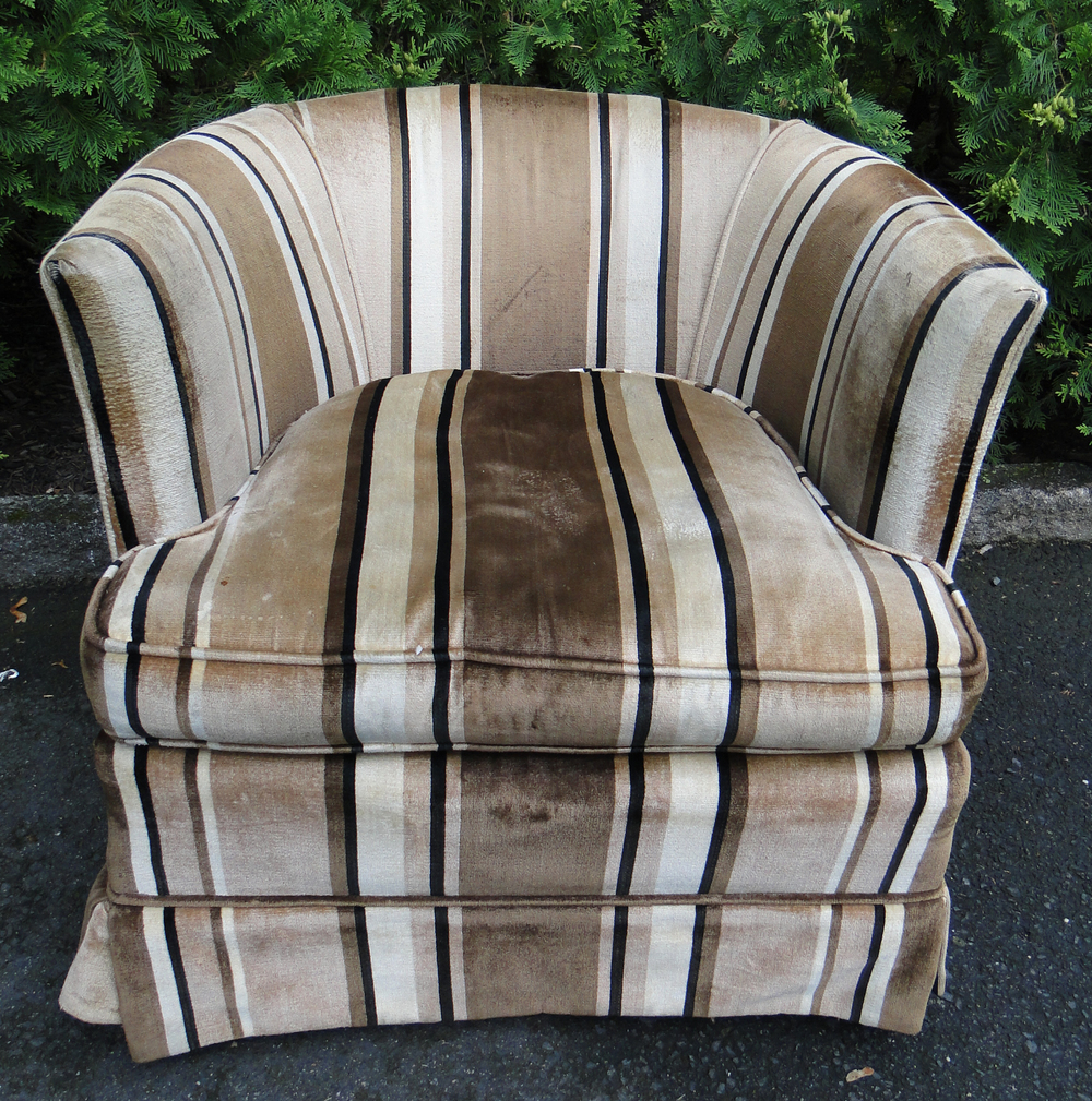 Round Barrel Upholstered Chair