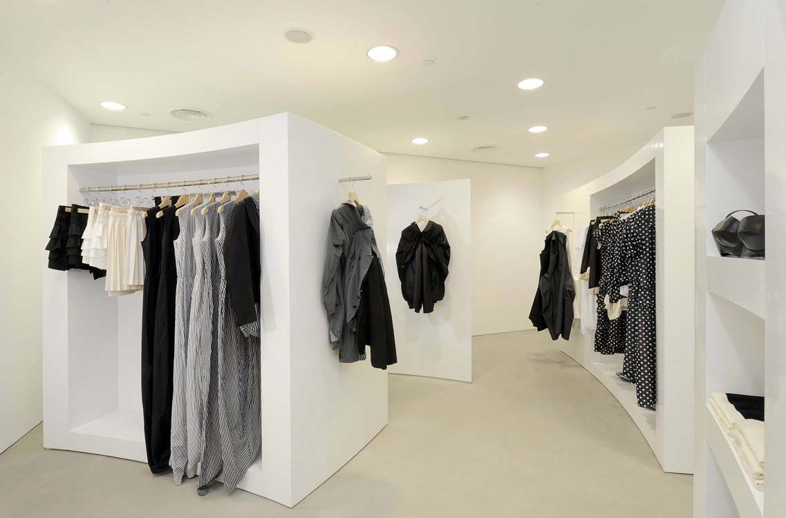 comme des garcons sensory design What happens when two distinctive fashion houses, with two very different styles mesh into one drum roll please for the first time ever, comme des garçons.