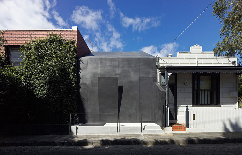 Law-Street-House-Muir-Mendes-11