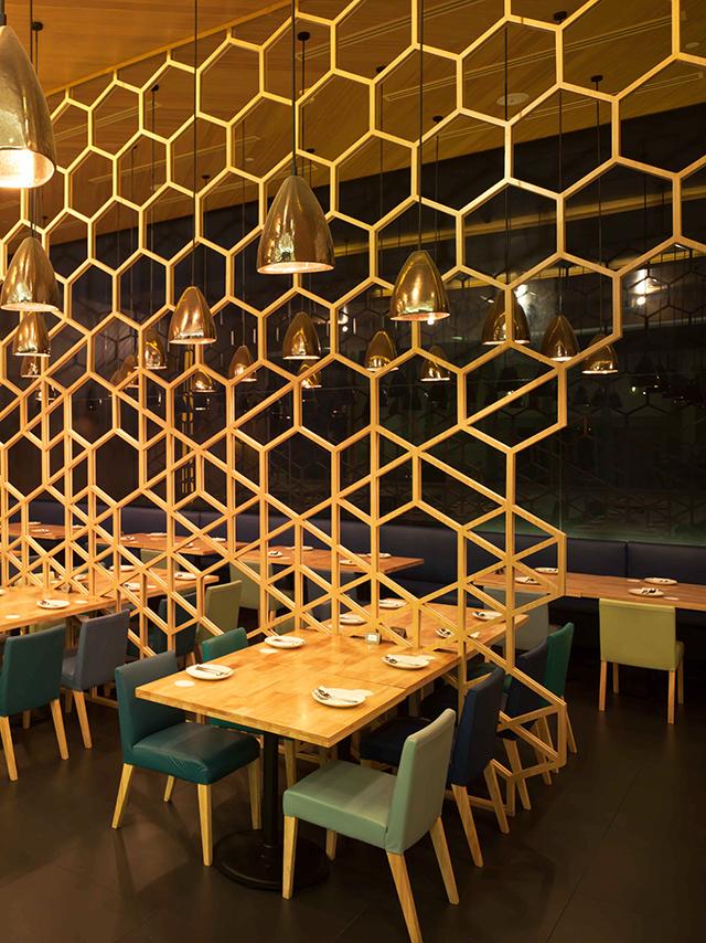 Laem charoen seafood bangkok knstrct for Restaurant window design