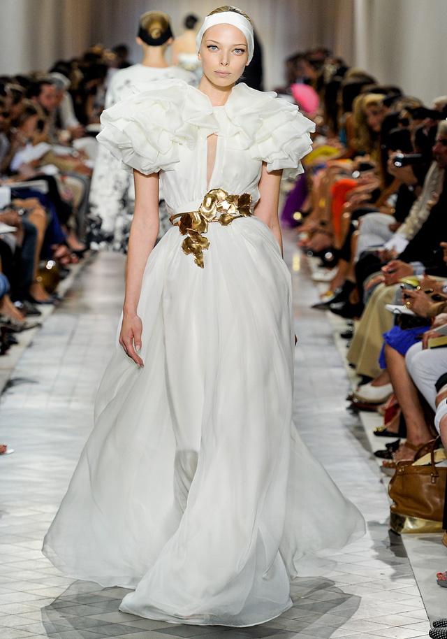 Knstrct-giambattista-valli-couture-fw-2011-2
