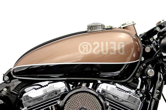 deuc-motorcycle-01