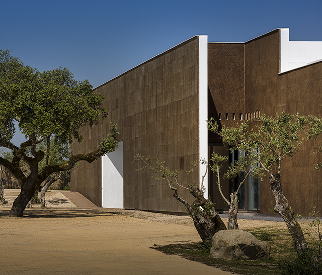 Ecorkhotel-Evora-Portugal-Jose-Carlos-Cruz-8.jpg