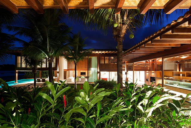 Residencia-MC-Jacobsen-Arquitetura-Tropical-Homes-1.jpg