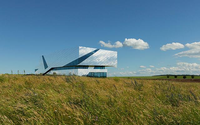 Palaon-Mirror-Building-Holzer-Kobler-Architekturen-9.jpg