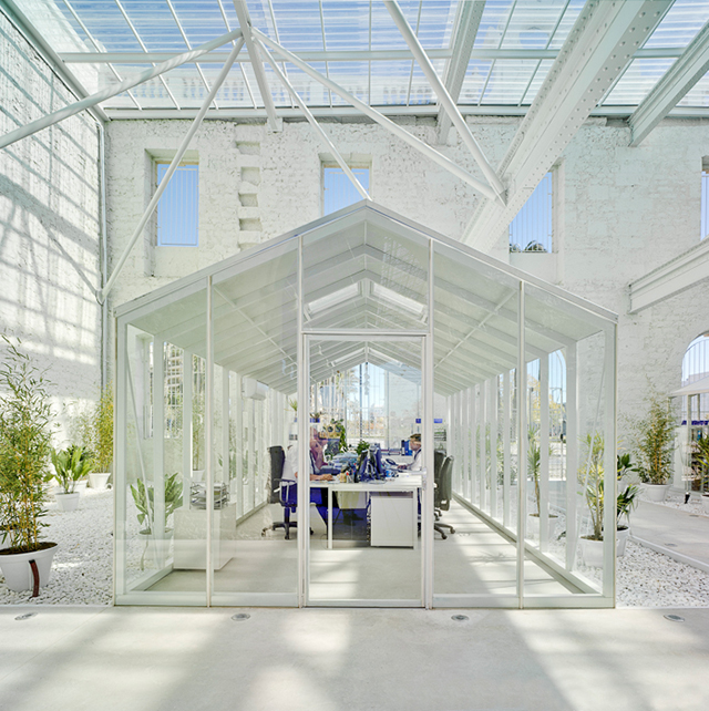 Disrupting design 39 living 39 greenhouses that are uprooting for Greenhouse architecture design