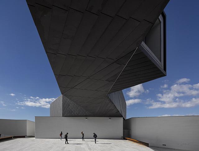Ilhavo-Maritime-Museum-Extension-Arx-Architects-1.jpg