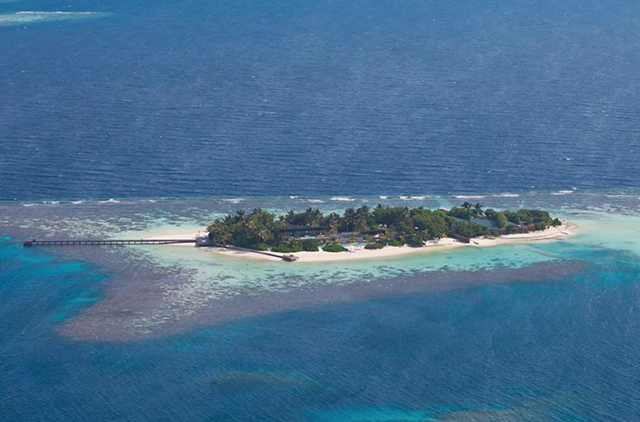 Coco-Prive-Kuda-Hithi-Island-Resort-10.jpg