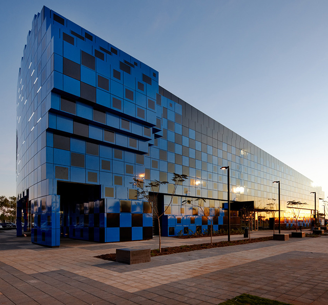 Wanangkura-Stadium-Port-Hedland-ARM-Architects-Australia-6.jpg