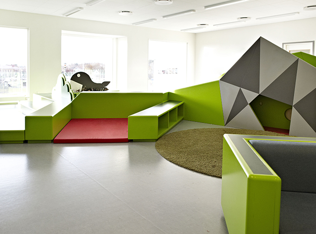Colorful multifunctional learning spaces at the vittra for Architecture interior design schools